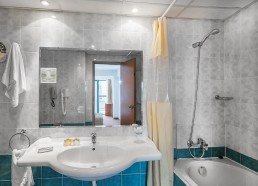 Grand Hotel Sunny Beach Apartment Bathroom