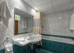 Гранд Хотел Съни Бийч апартамент баня